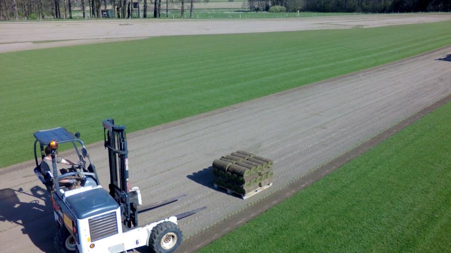 Produktion Rollrasen Rasenhof Bienenbüttel